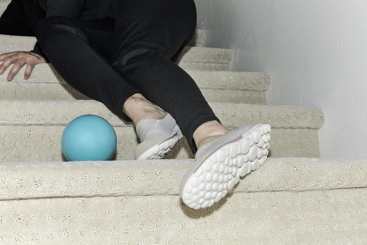 Woman who fell on the stairs