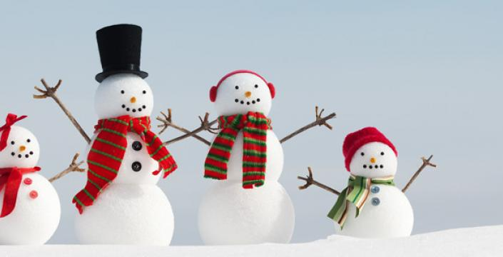 Family of 4 mini snowmen figurines